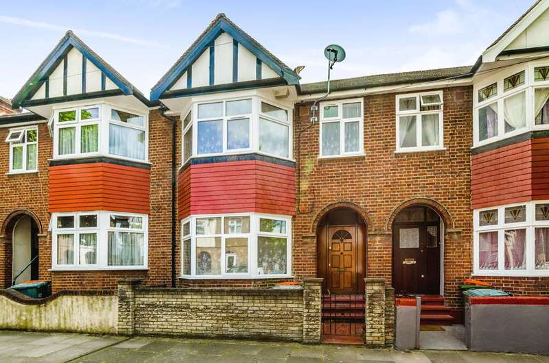 4 Bedrooms Terraced House for sale in Crofton Road, Plaistow, E13