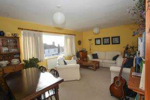 3 Bedrooms Maisonette Flat for sale in High Street, Mayfield, East Sussex