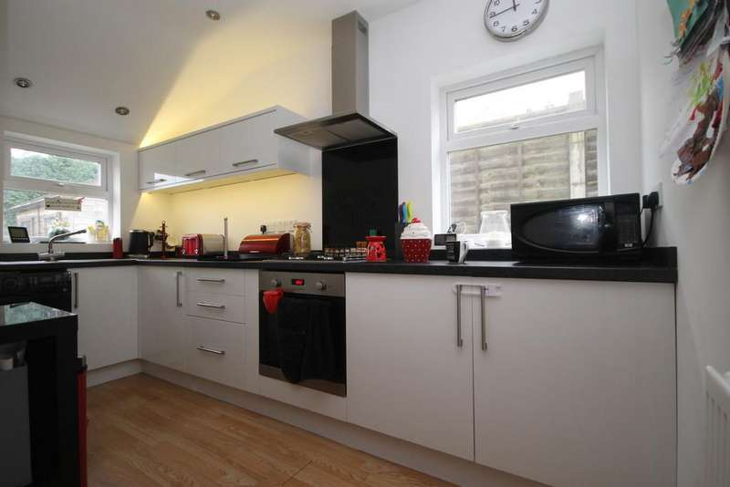 3 Bedrooms Semi Detached House for sale in Rugby Road, Burbage