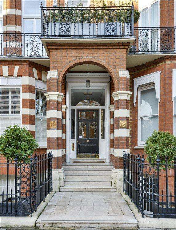 2 Bedrooms Flat for sale in Bramham Gardens, South Kensington, London, SW5