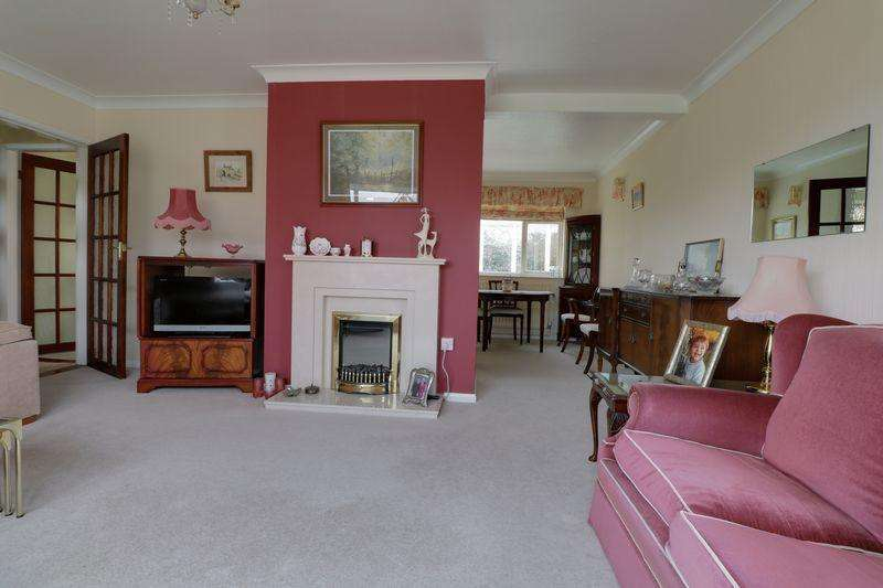 3 Bedrooms Detached House for sale in Norfolk Avenue, Burton Upon Stather