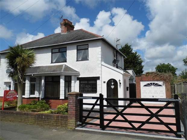 3 Bedrooms Semi Detached House for sale in Brynteg Avenue, Bridgend, Bridgend, Mid Glamorgan
