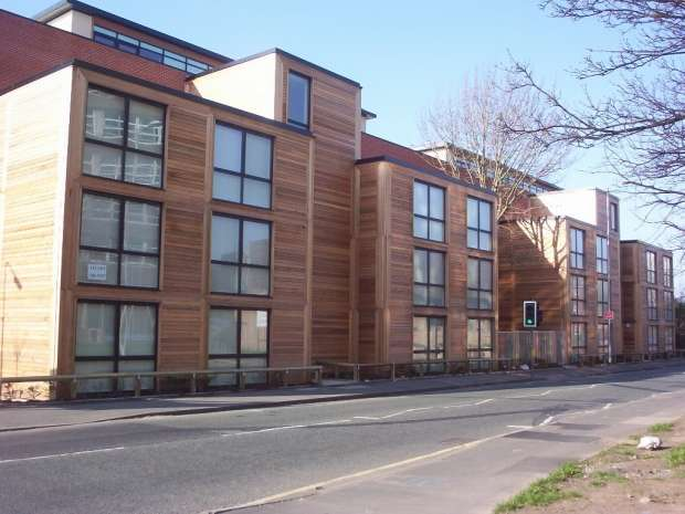 2 Bedrooms Apartment Flat for sale in Poplar Court, Moss Lane East Manchester. M16 7dh Manchester