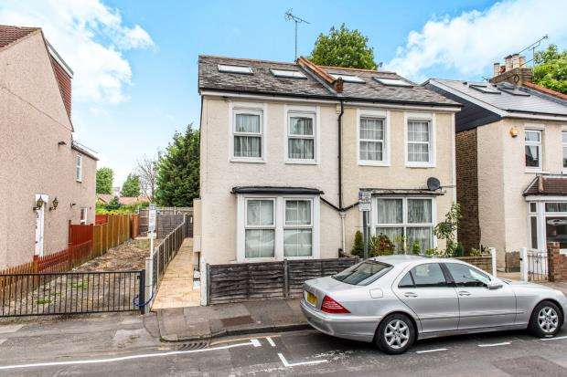 2 Bedrooms Maisonette Flat for sale in Sutton, Surrey