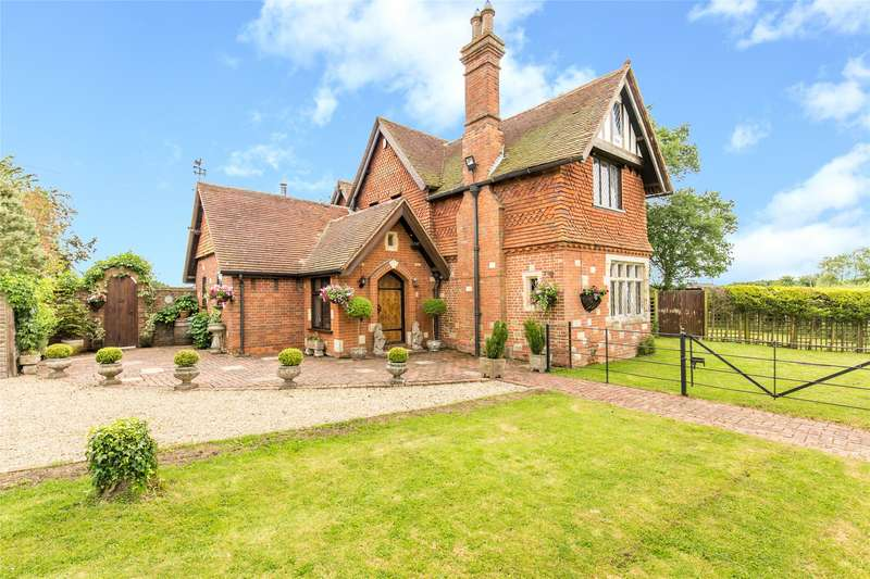 4 Bedrooms Detached House for sale in Roodlands Lane, Four Elms, Edenbridge, Kent, TN8