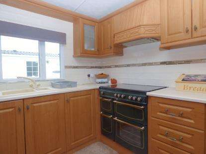 2 Bedrooms Mobile Home for sale in Thorness Lane, Cowes, Isle Of Wight