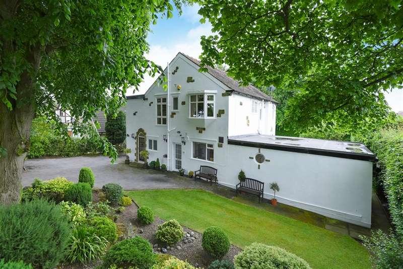 4 Bedrooms Detached House for sale in Alwoodley Lane, Alwoodley, Leeds, LS17 7PT