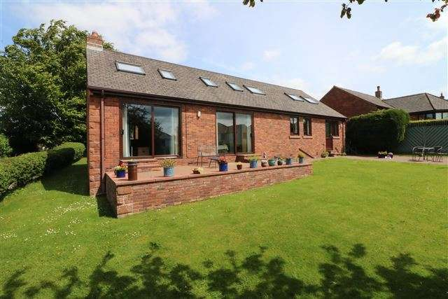 4 Bedrooms Detached House for sale in Chestnut Grove,, Cumwhinton, Carlisle, Cumbria, CA4 8EL
