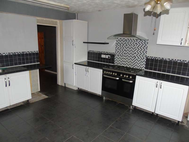 3 Bedrooms Terraced House for sale in Geiriol Road, Townhill, Swansea