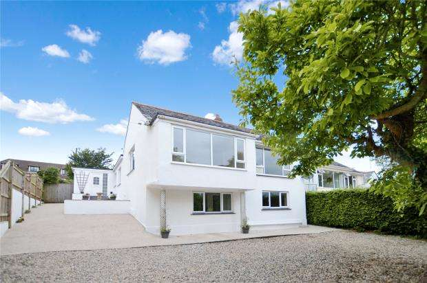 4 Bedrooms Detached House for sale in Edginswell Lane, Kingskerswell, Newton Abbot, Devon