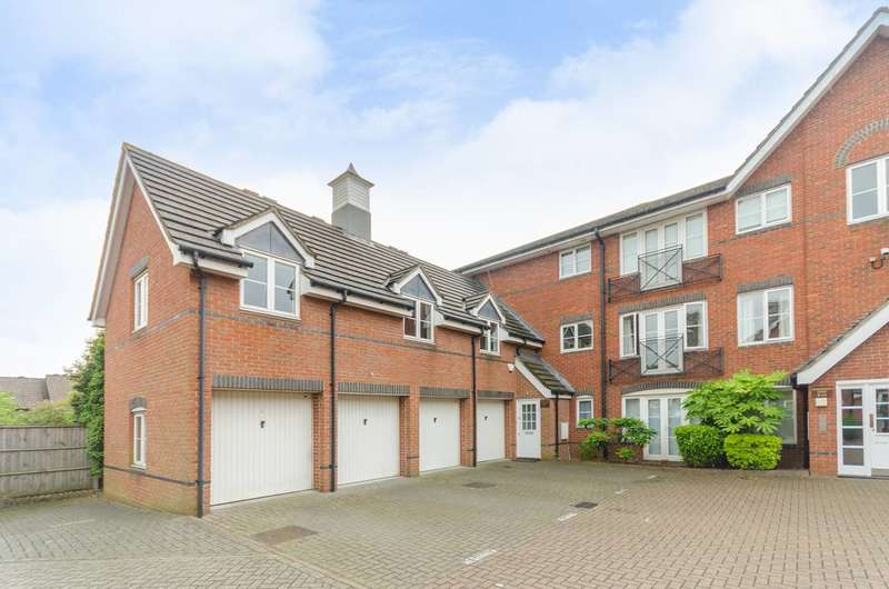2 Bedrooms Maisonette Flat for sale in Bloomsbury Close, Mill Hill, NW7