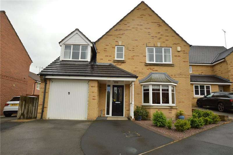 4 Bedrooms Detached House for sale in May Avenue, Churwell, Leeds