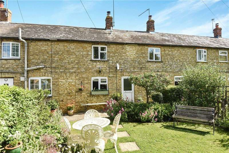 2 Bedrooms Terraced House for sale in Sunny View, Yardley Hastings, Northamptonshire