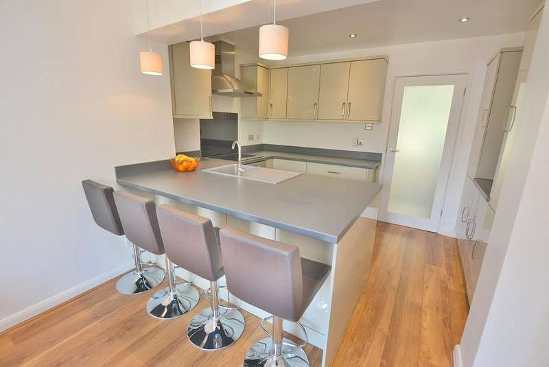3 Bedrooms Terraced House for sale in Wimborne Road, Bournemouth