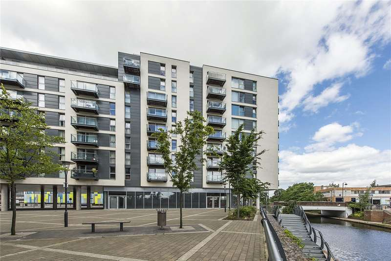 1 Bedroom Flat for sale in Vantage Building, Station Approach, Hayes, UB3