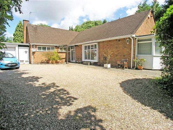 4 Bedrooms Detached House for sale in Pwllmelin Road, Llandaff