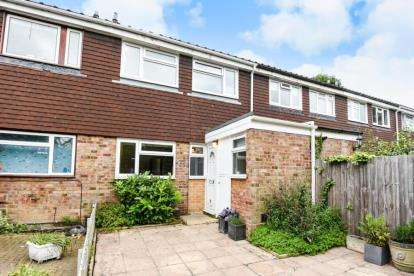 3 Bedrooms Terraced House for sale in Whitstable Close, Beckenham