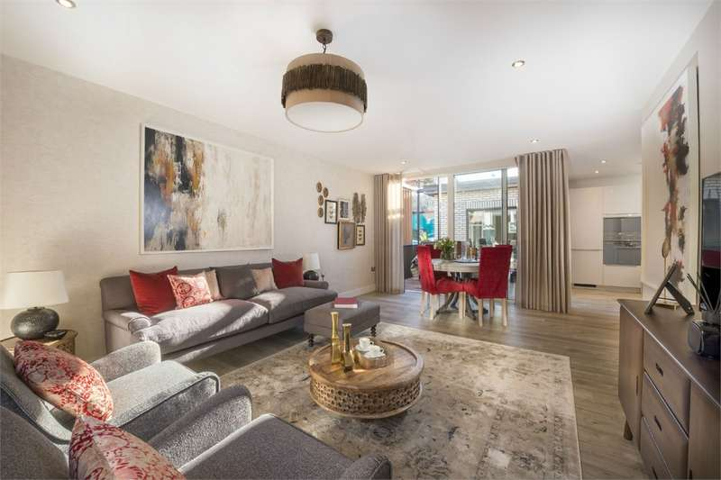 3 Bedrooms Detached House for sale in Woodside Square, Muswell Hill, London