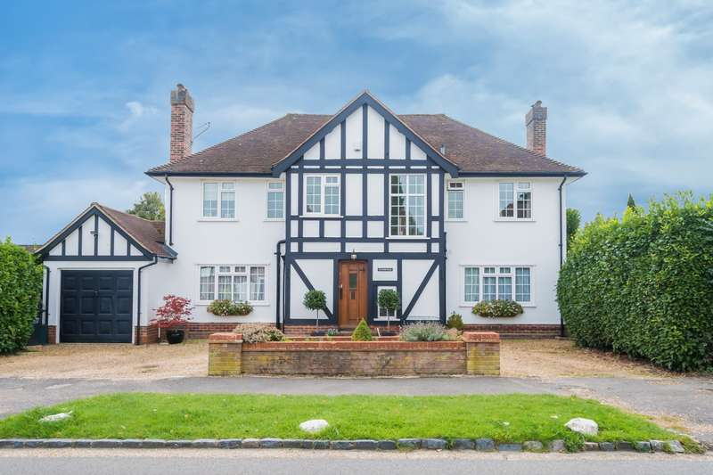 4 Bedrooms Detached House for sale in Priory Road, Chalfont St. Peter, SL9