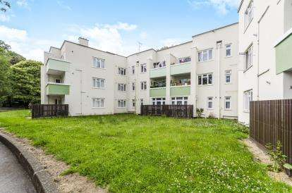 2 Bedrooms Flat for sale in North Front, Southampton, Hampshire