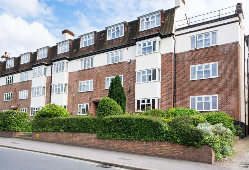 2 Bedrooms Flat for sale in St Marks Hill, Surbiton