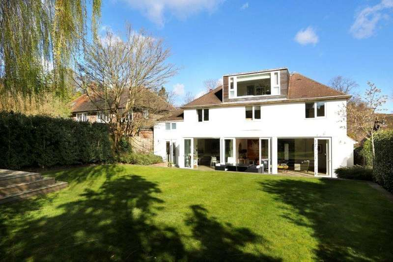 5 Bedrooms Detached House for sale in Queensmere Road, London, SW19