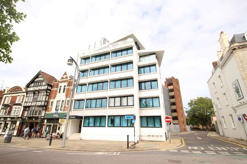 2 Bedrooms Flat for sale in The Hard, Portsmouth, PO1