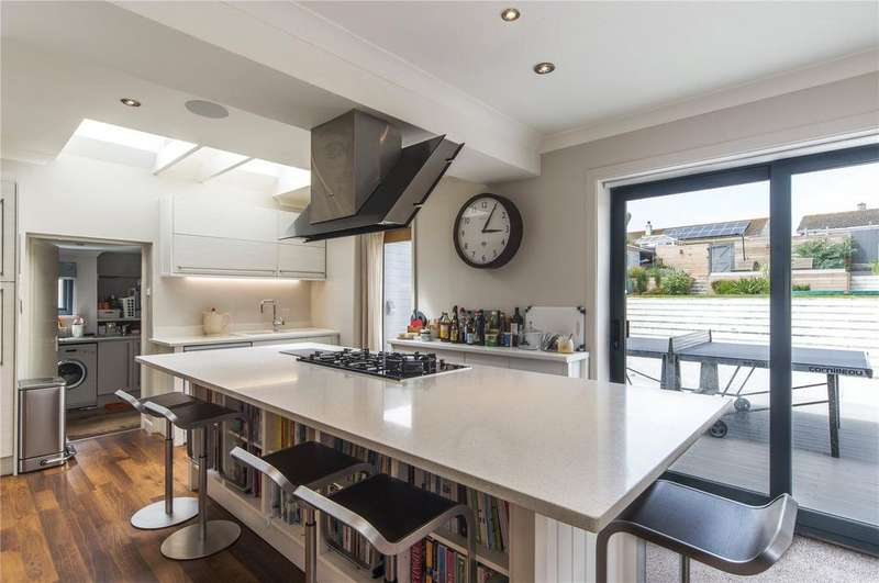 4 Bedrooms Detached House for sale in Riverside Crescent, Pentire, Newquay, Cornwall, TR7