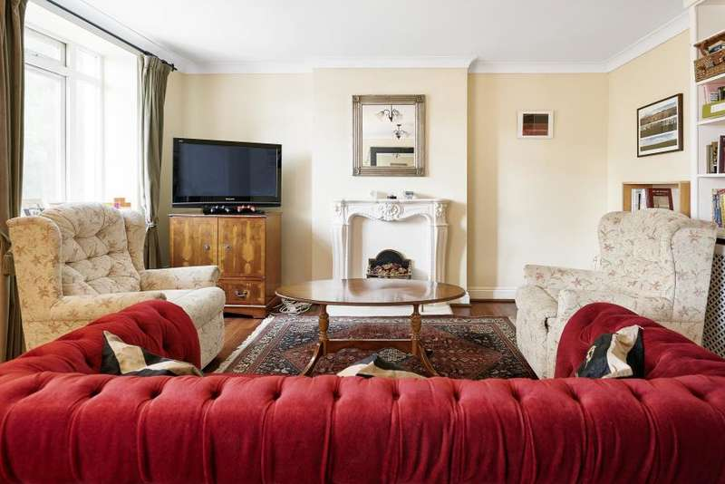4 Bedrooms Flat for sale in Temple Court, Rectory Square, E1