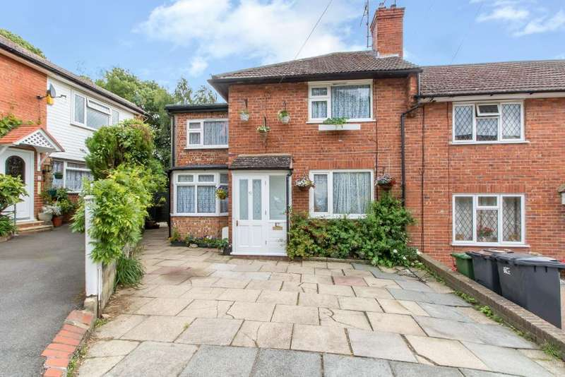 4 Bedrooms Detached House for sale in Foxearth Spur, Selsdon, South Croydon, Surrey, CR2 8EP