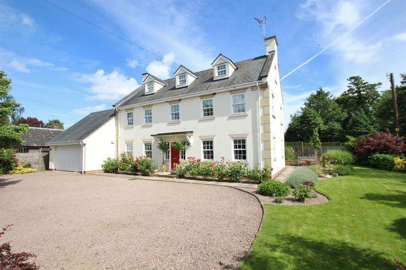 5 Bedrooms Detached House for sale in Pontshill, Ross-On-Wye