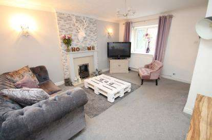 3 Bedrooms Semi Detached House for sale in Abbott Clough Avenue, Blackburn, Lancashire, BB1