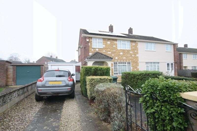3 Bedrooms Property for sale in Wise Avenue, Kidlington