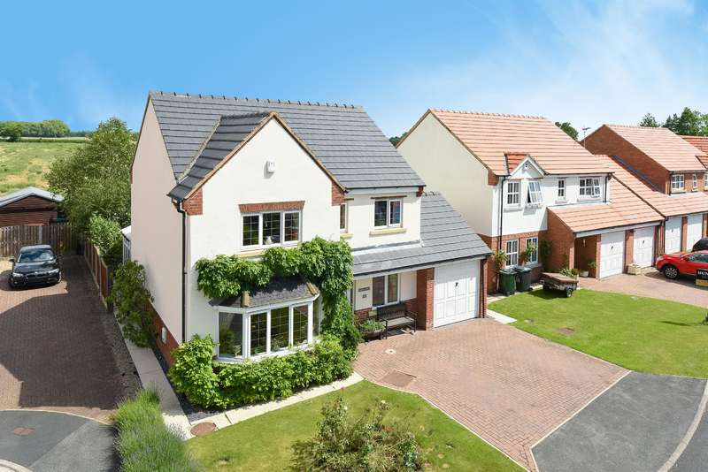 4 Bedrooms Detached House for sale in Fieldside Court, Tadcaster, LS24 9WA
