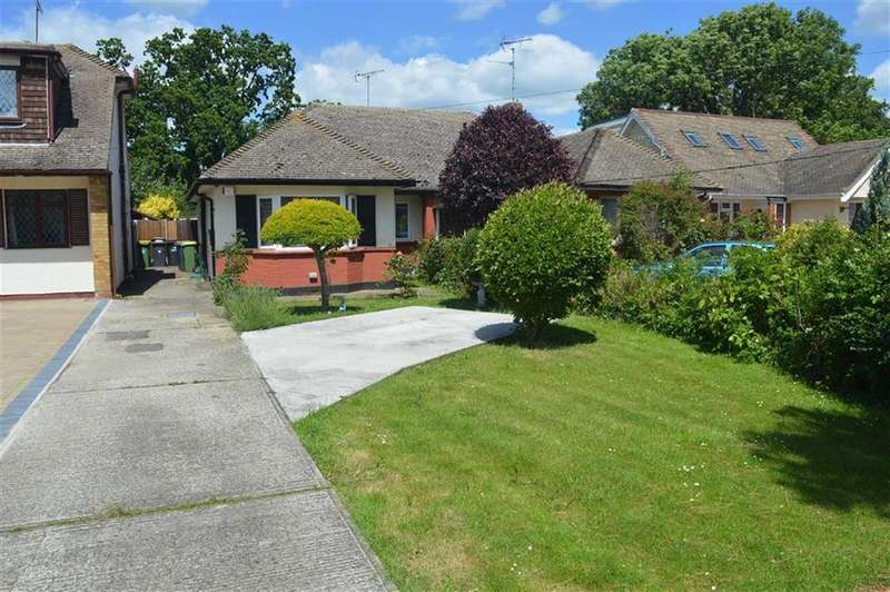 2 Bedrooms Semi Detached Bungalow for sale in Rectory Road, Hawkwell, Essex