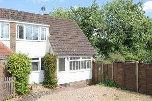 3 Bedrooms Semi Detached House for sale in Elmleigh, Midhurst, West Sussex