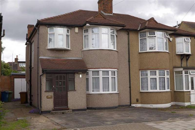 3 Bedrooms Property for sale in York Avenue, Stanmore, Middlesex