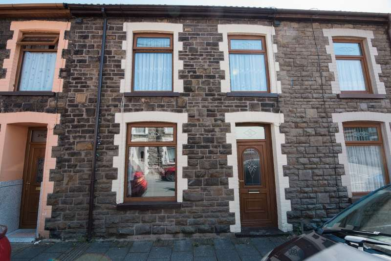 3 Bedrooms Terraced House for sale in Charles street, Tonypandy, Rhondda Cynon Taf, CF40