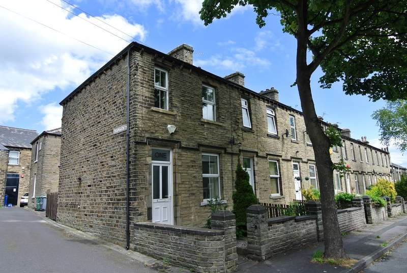 3 Bedrooms Terraced House for sale in Clifton Road, Marsh, Huddersfield, HD1