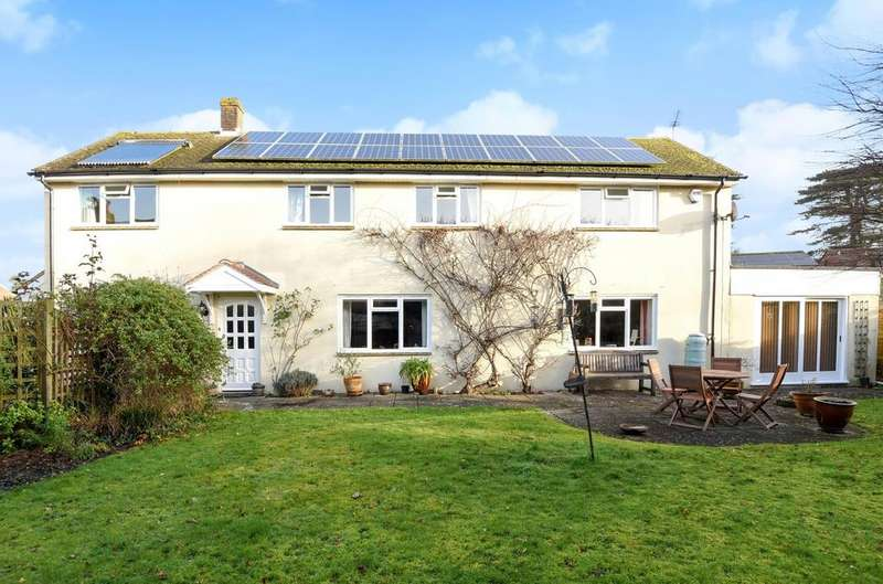 4 Bedrooms Detached House for sale in Whichers Gate Road, Rowlands Castle, PO9