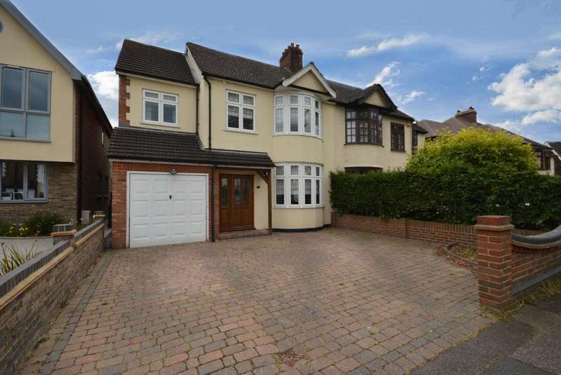 4 Bedrooms Semi Detached House for sale in Harrow Drive, Hornchurch, Essex, RM11