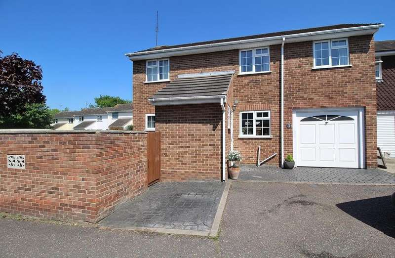 3 Bedrooms House for sale in Barn Green, Chelmsford, Essex, CM1