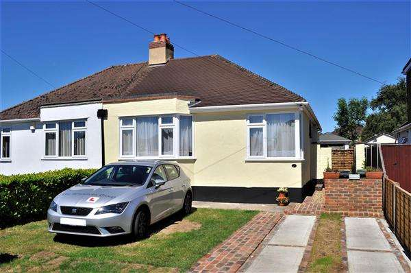 3 Bedrooms Bungalow for sale in Bearsted ME15