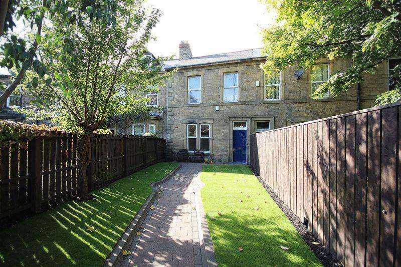 3 Bedrooms House for sale in Lansdowne Crescent, Gosforth