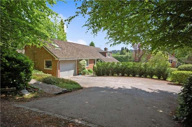 4 Bedrooms Detached House for sale in Lower Bourne, Farnham, Surrey