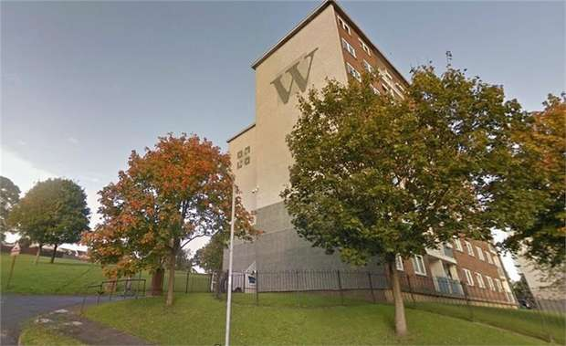 2 Bedrooms Flat for sale in Haigh Beck View, Bradford, West Yorkshire