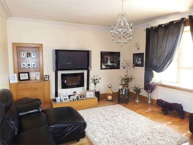 2 Bedrooms Flat for sale in Wellesley Road, Methil, Leven, Fife