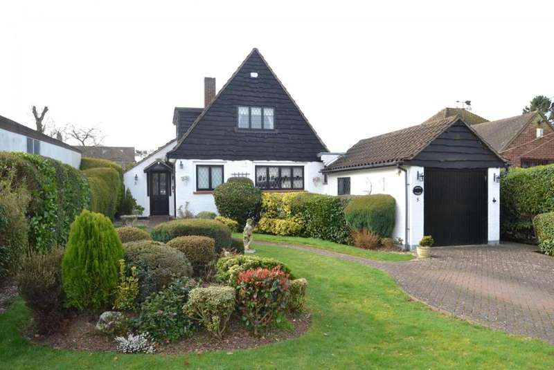 2 Bedrooms Detached House for sale in Lake Avenue, Billericay, Essex, CM12
