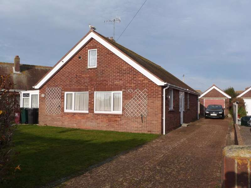 3 Bedrooms Detached Bungalow for sale in St Itha Road, Selsey