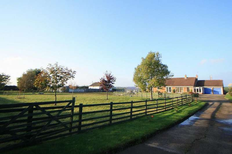 3 Bedrooms Detached Bungalow for sale in Blakeston Lane, Norton, TS21